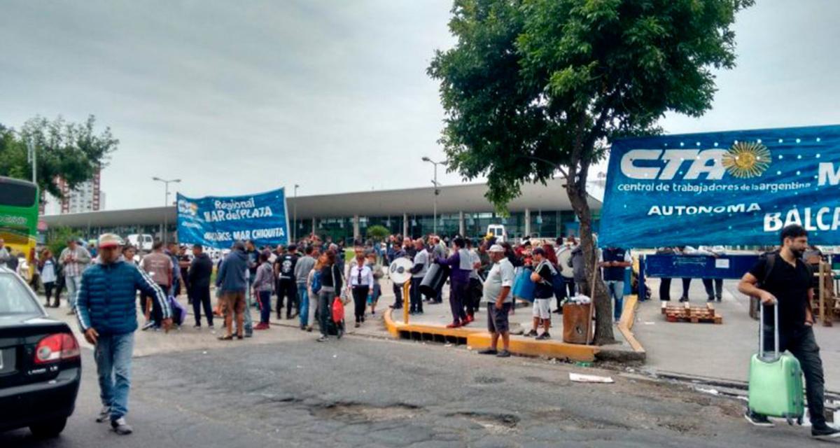 Tras 8 días, Maleteros levantaron el bloqueo en la Terminal de Mar del Plata
