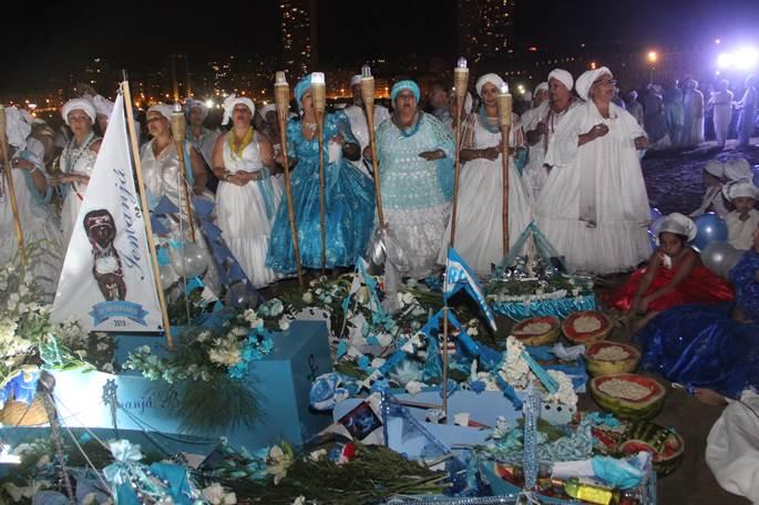 Las playas de Mar del Plata vivieron la ceremonia de Iemanjá
