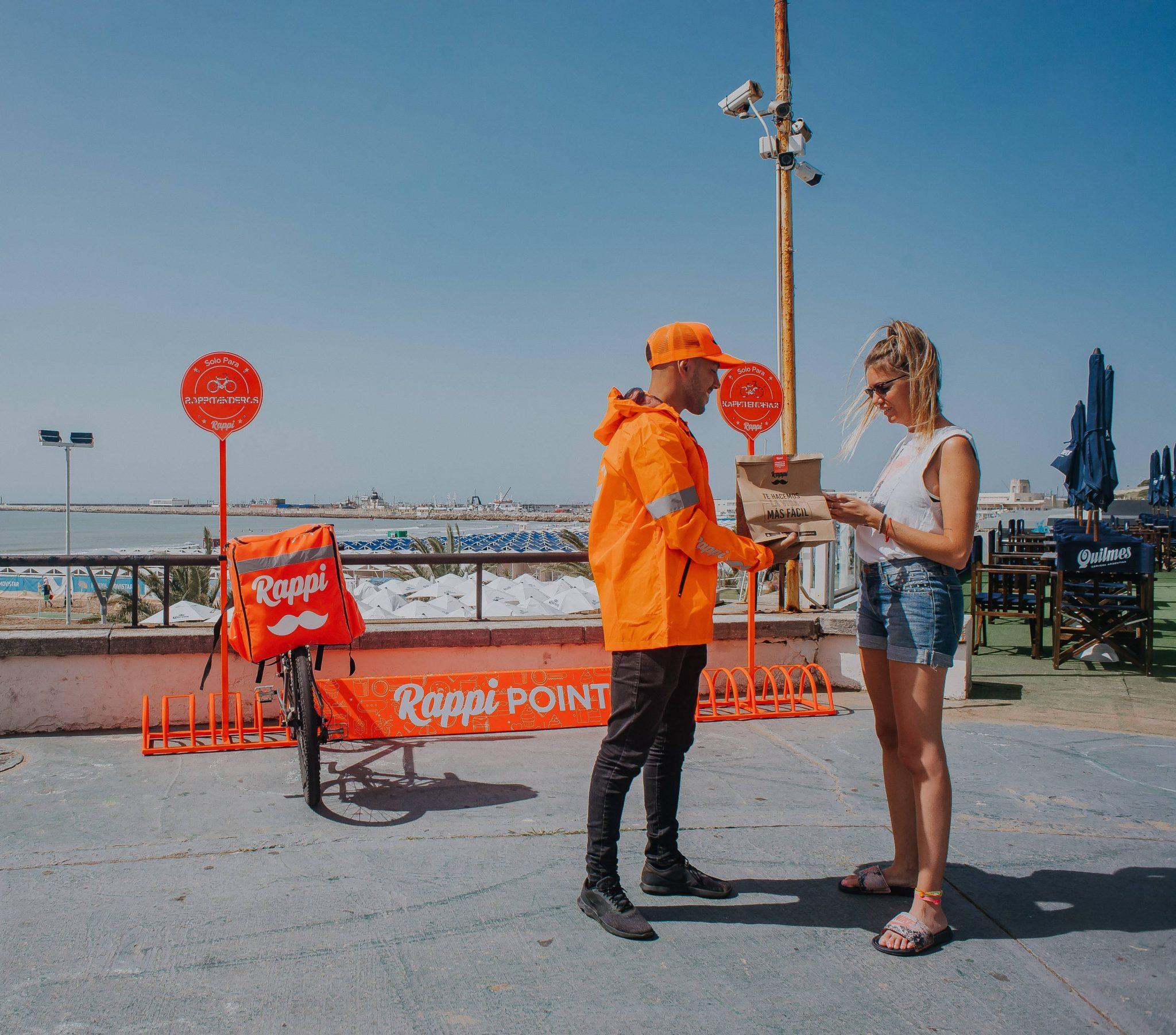 Delivery: Preservativos, test de embarazos, cartas y entradas de cine, entre los pedidos en la costa