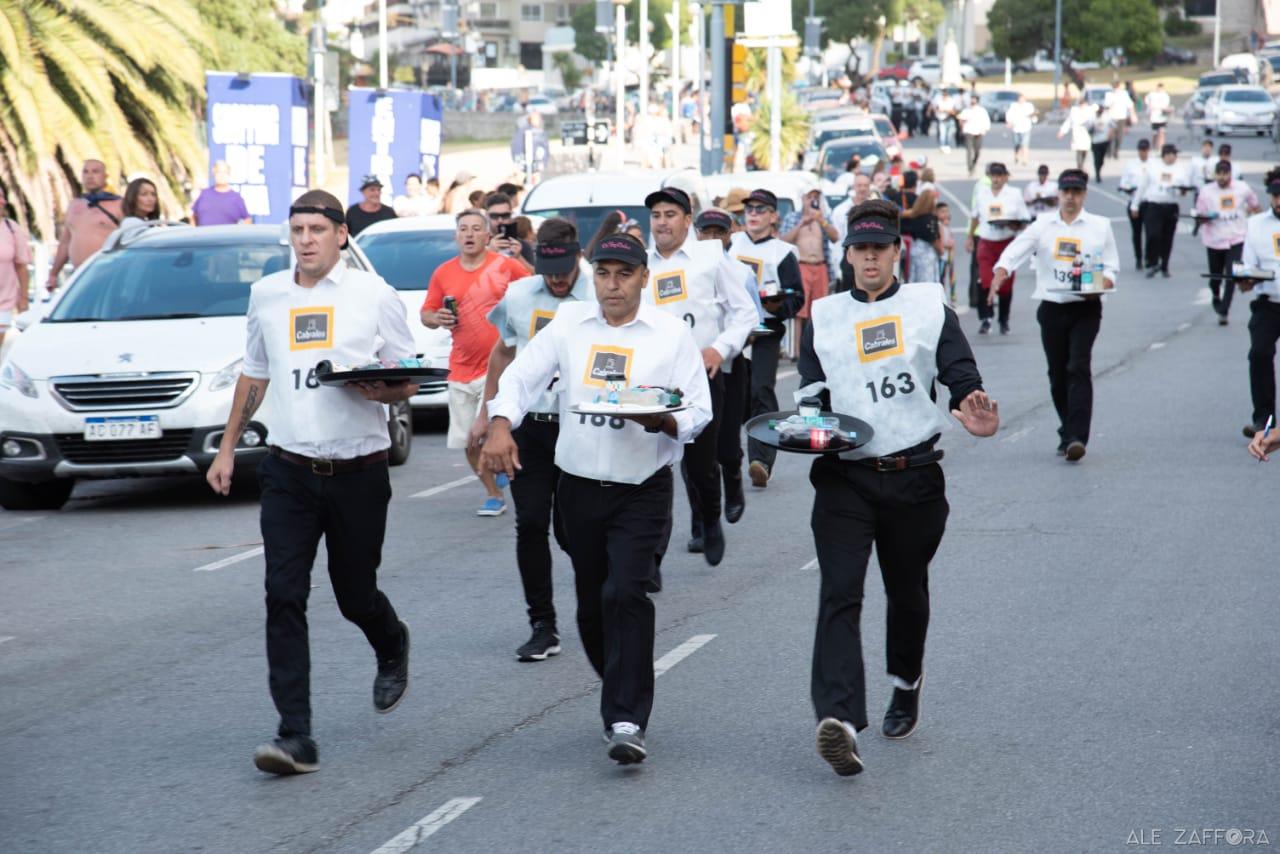 Más de 120 competidores en la Maratón de Mozos y Camareras