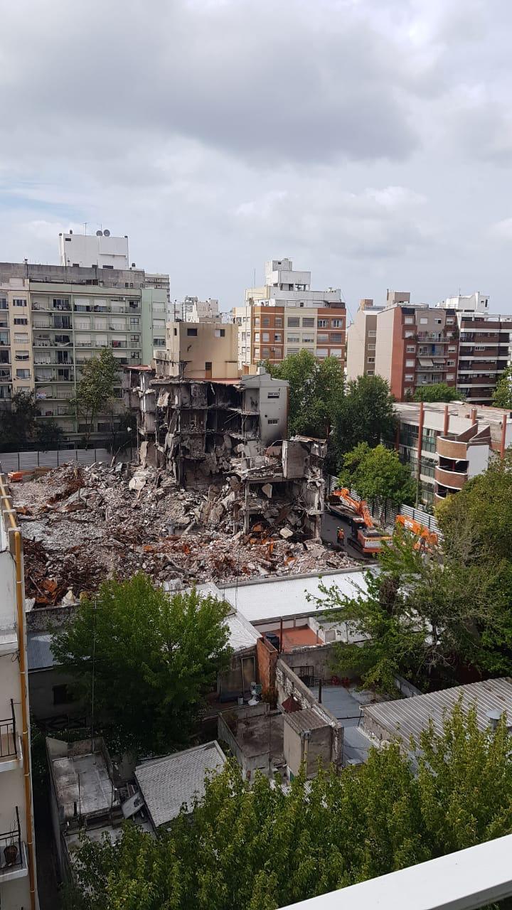 Torres y Liva: inician los trabajos para la demolición de la distribuidora