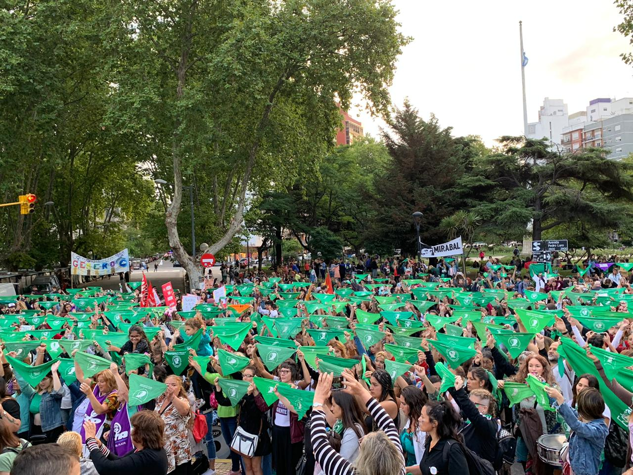 Mar del Plata se sumó al pañuelazo verde a favor del aborto