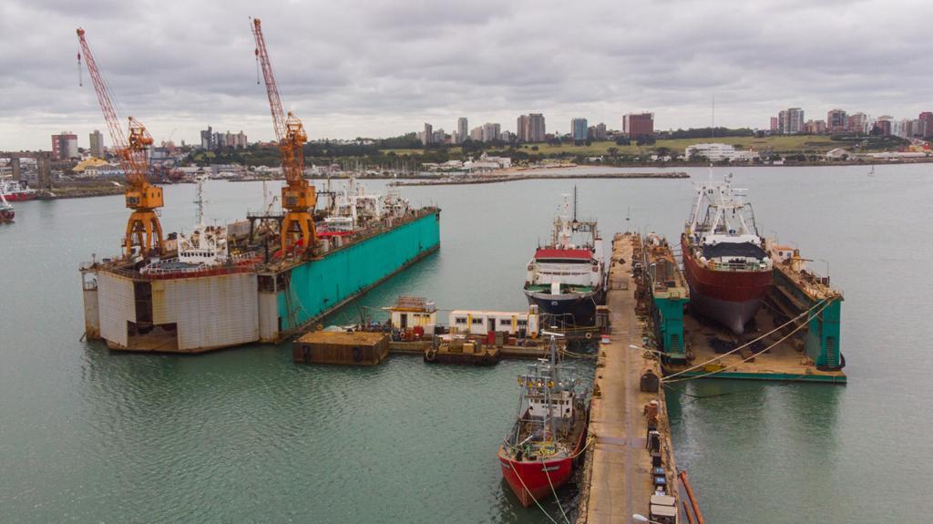 Importante desafío para la industria naval de Mar del Plata; botan 5 barcos en simultáneo