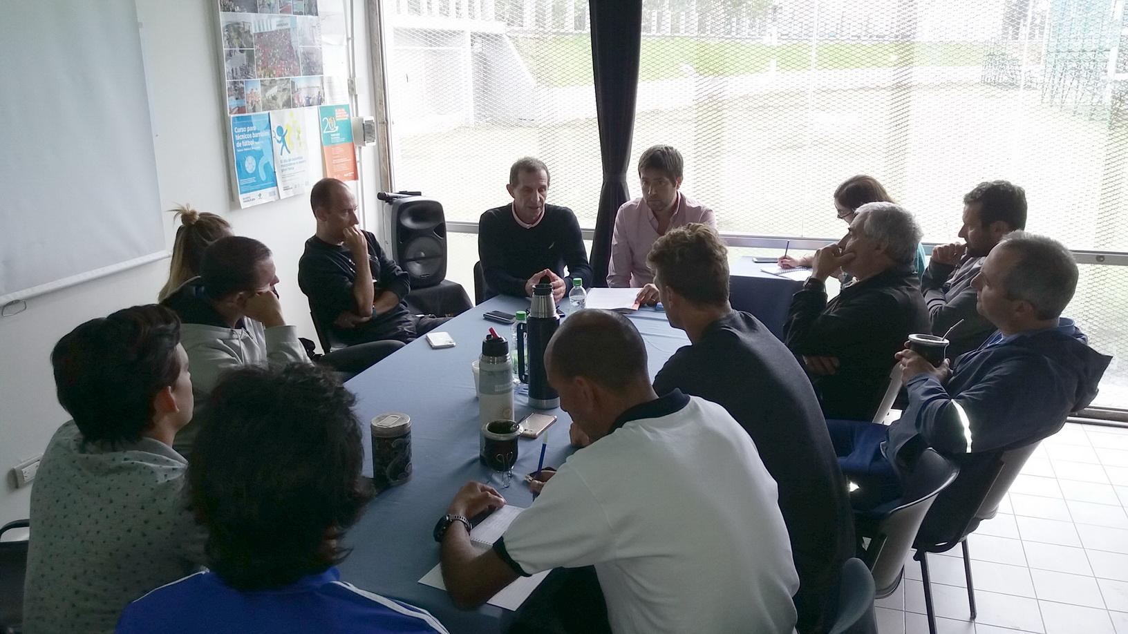Grupos de entrenamiento fueron interiorizados sobre el Maratón de Mar del Plata