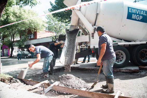 EMVIAL reconstruyó pavimentos de hormigón en la zona del barrio Centenario