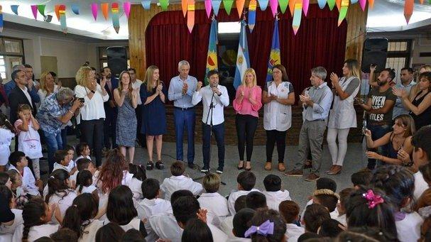 Kicillof inauguró ciclo lectivo y dijo que para su gobierno «lo primero es la educación»