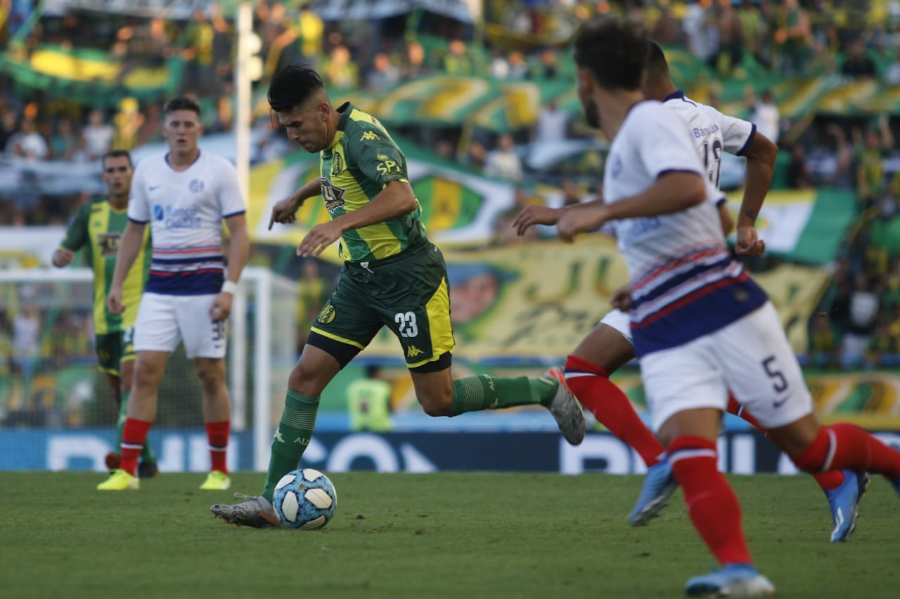 Aldosivi no pudo sumar de local ante San Lorenzo