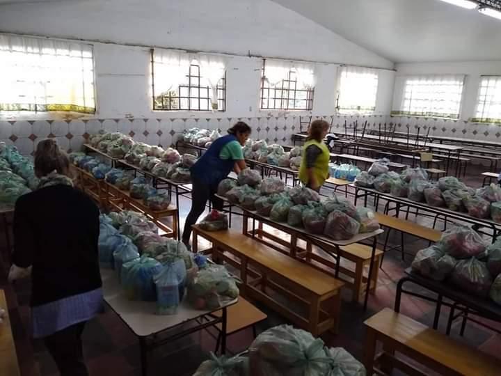 Continuarán abiertos los comedores escolares hasta que finalice la entrega de bolsones alimentarios