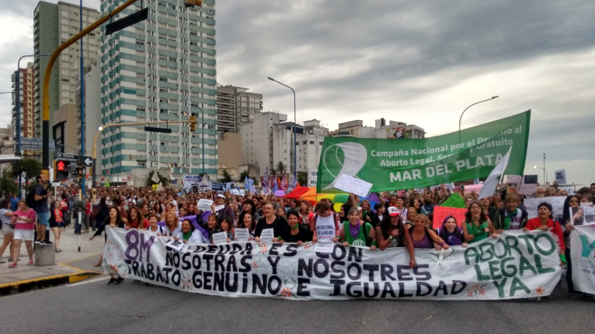 Movimientos de mujeres y de la diversidad iniciaron el paro mundial feminista