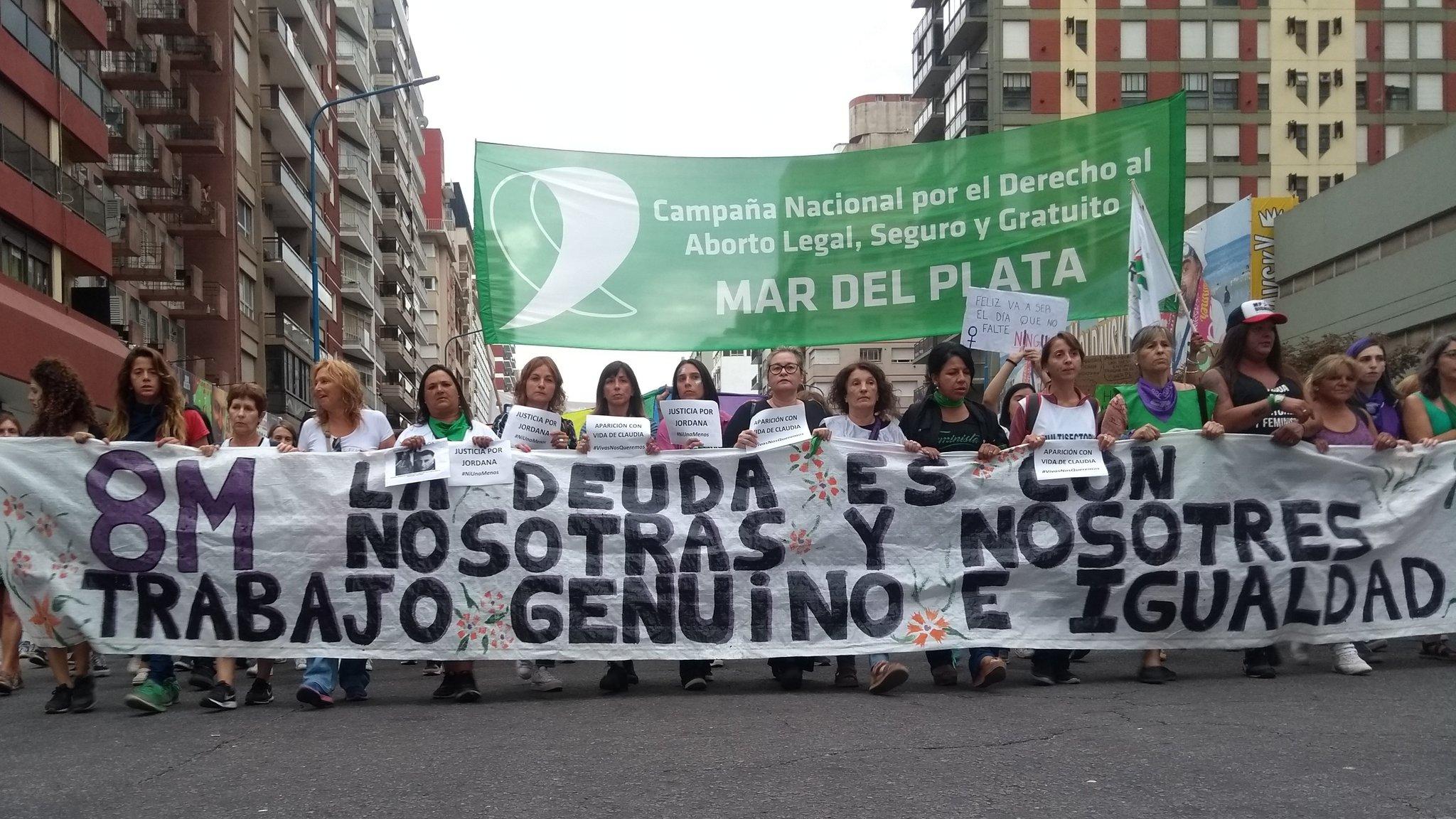 Masiva movilización de mujeres en Mar del Plata