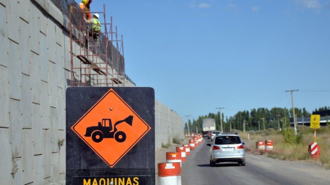 El Gobierno afirma que desde el lunes se reactivarán obras hídricas, en rutas y municipios