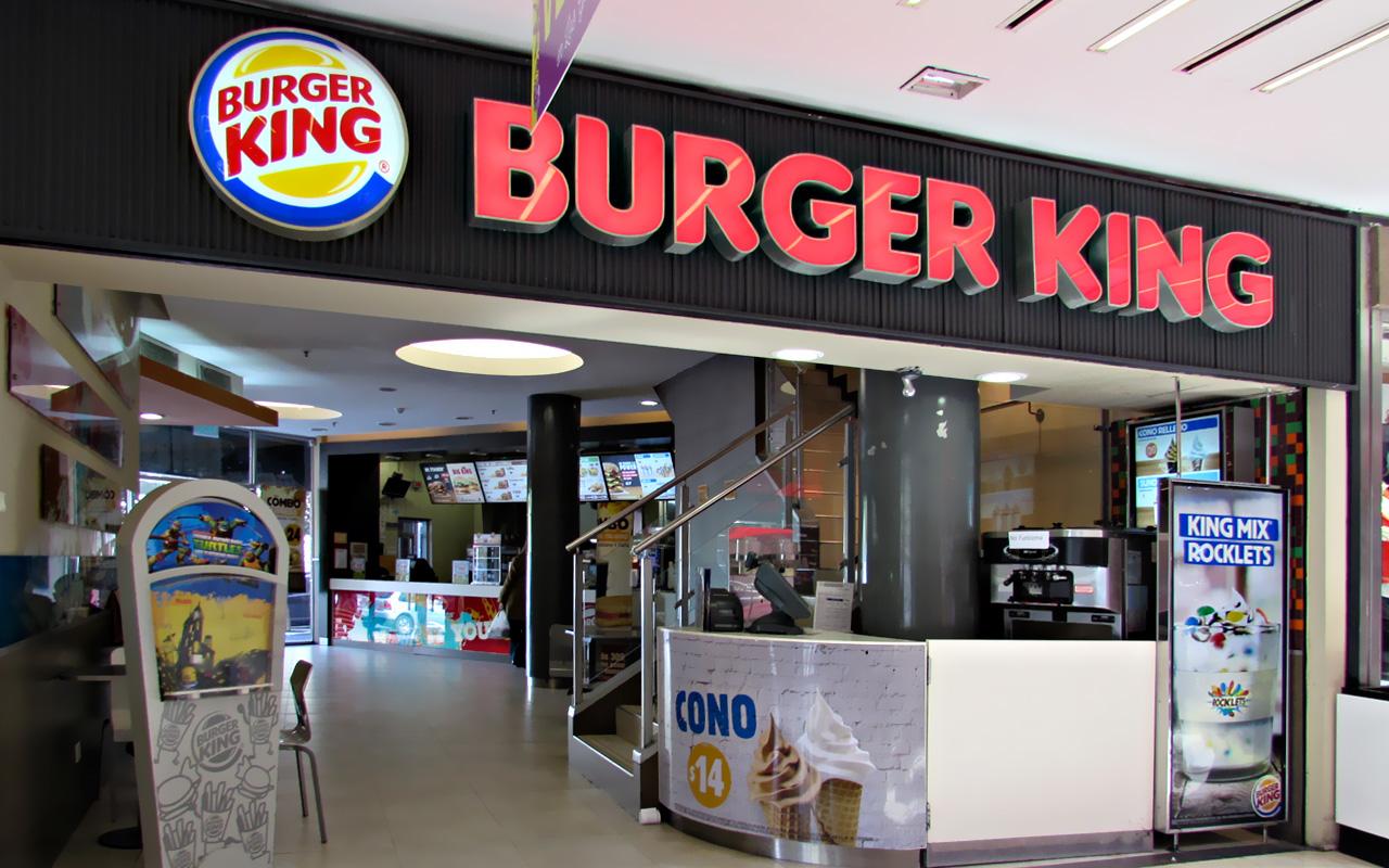 Pasteleros denuncia que cadenas de hamburguesas no pagan los sueldos como corresponde