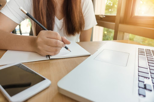 A la mayoría de los docentes les gustaría seguir con la educación en línea