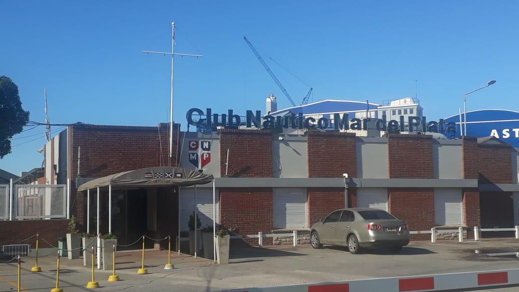 """Utedyc denuncia que el Club Náutico """"quiere recortar los salarios"""" del personal"""