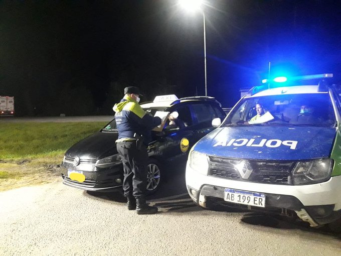 Infracción y cuarentena para taxista que intentó ingresar con tres chaqueños