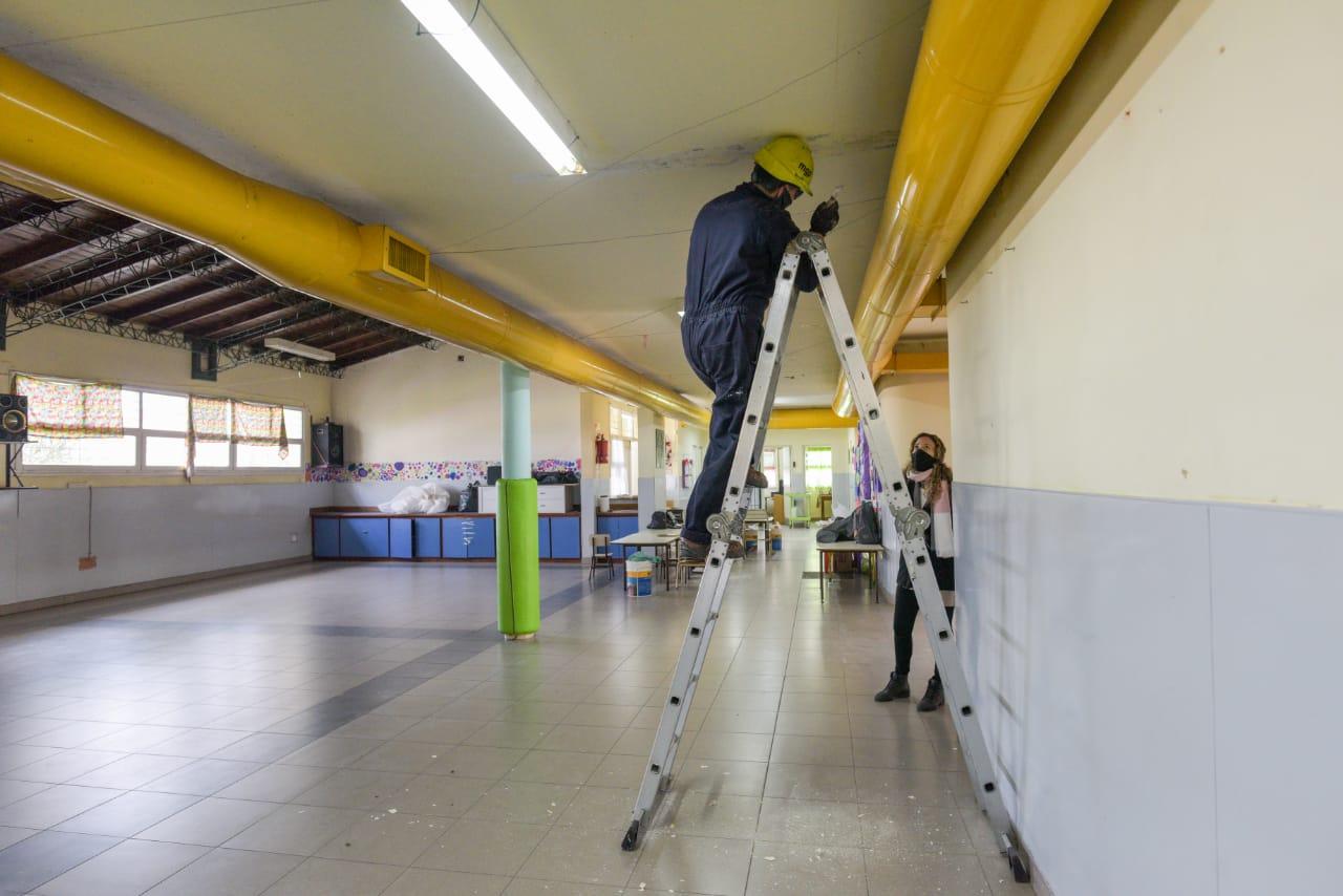 Continúan los trabajos en las instituciones educativas municipales