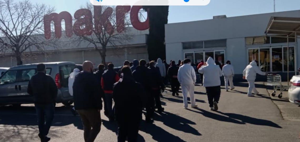 Denuncian que Makro no pagaría el bono de $5.000 a sus empleados
