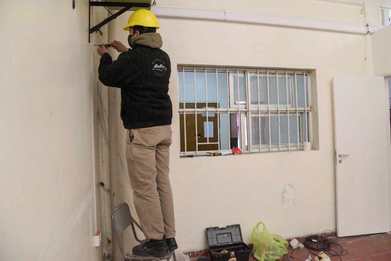 La Secretaría de Obras avanza con la reparación de escuelas provinciales