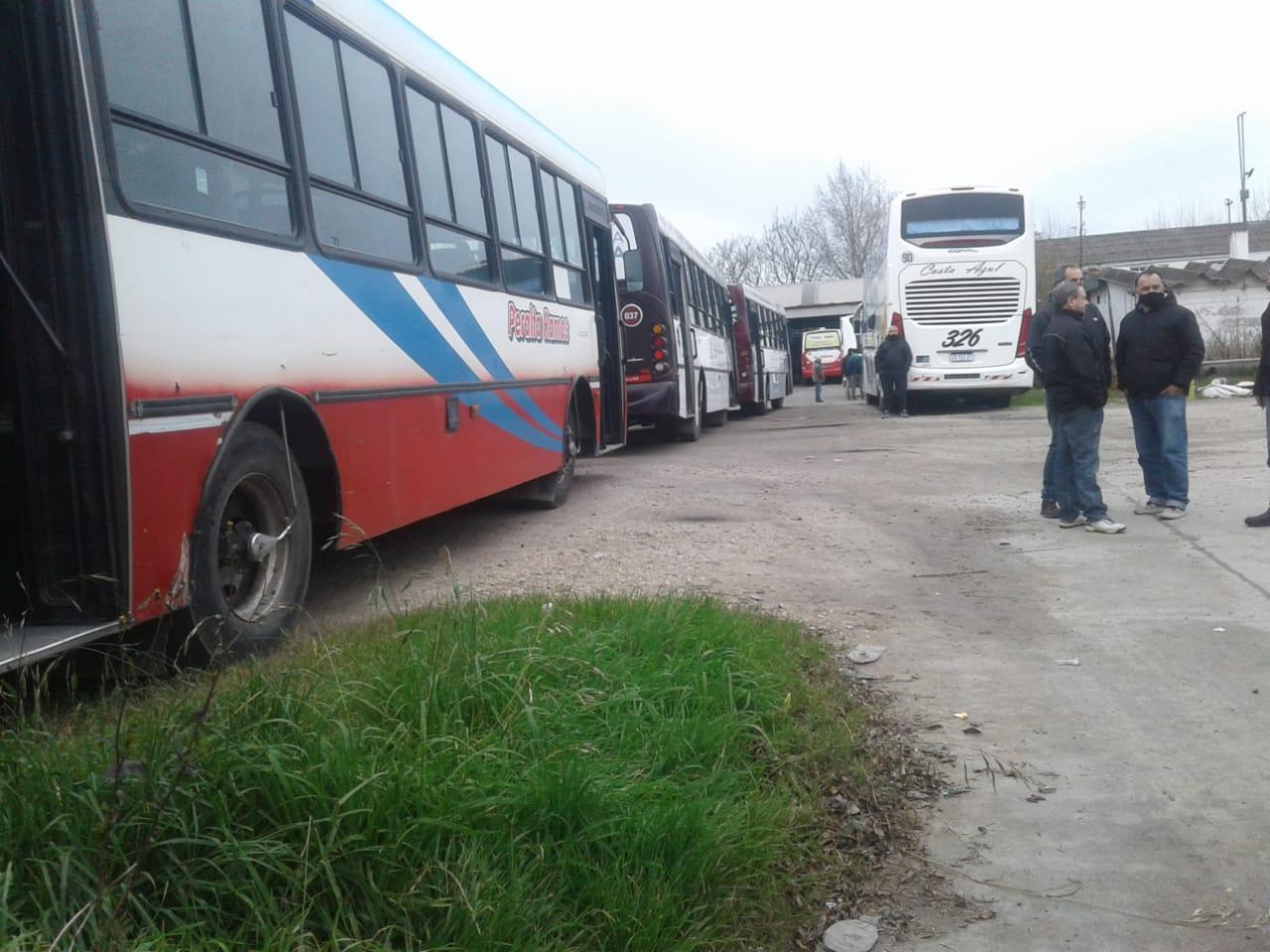 Crisis del transporte: el municipio repudió actos de violencia y aguarda fallo judicial
