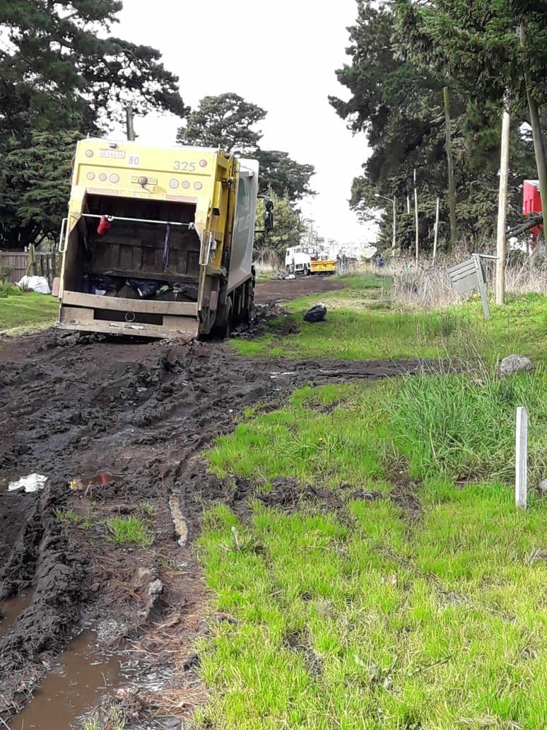 En Acantilados no pueden entrar ambulancias ni camiones de recolección de residuos