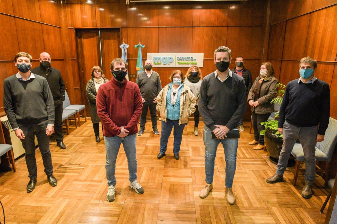 Bajo estricto protocolo reabren las cafeterías en Mar del Plata