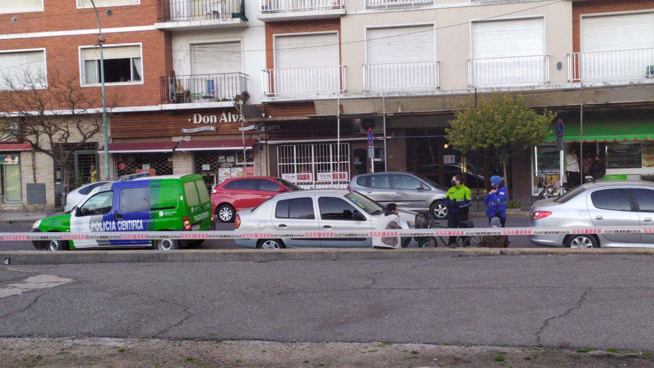 Una mujer murió aplastada frente a Plaza Colon