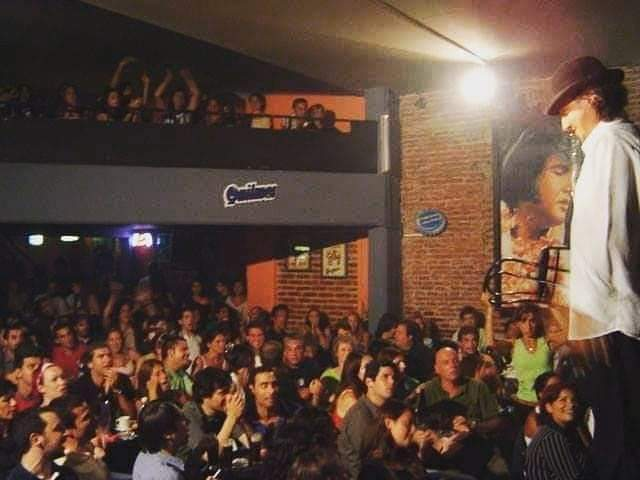 Walter Rúa escribe un libro sobre la historia de Elvis Café