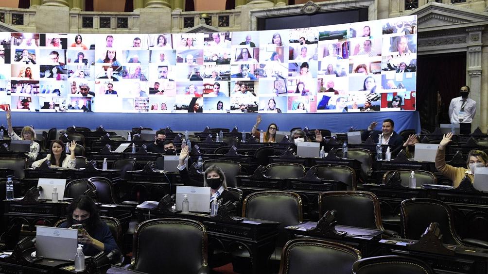 Diputados del Frente de Todos presentaron el proyecto para gravar las grandes fortunas