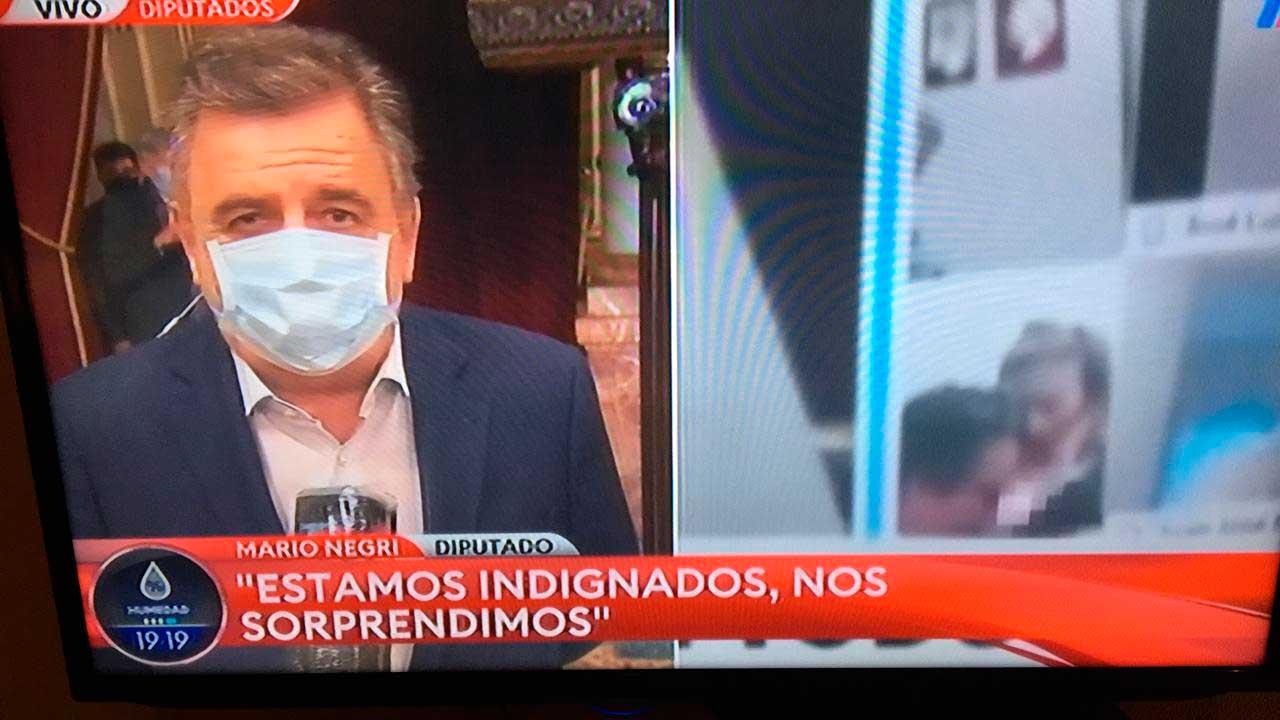 El diputado Juan Emilio Ameri protagonizó un juego sexual en vivo en plena sesión