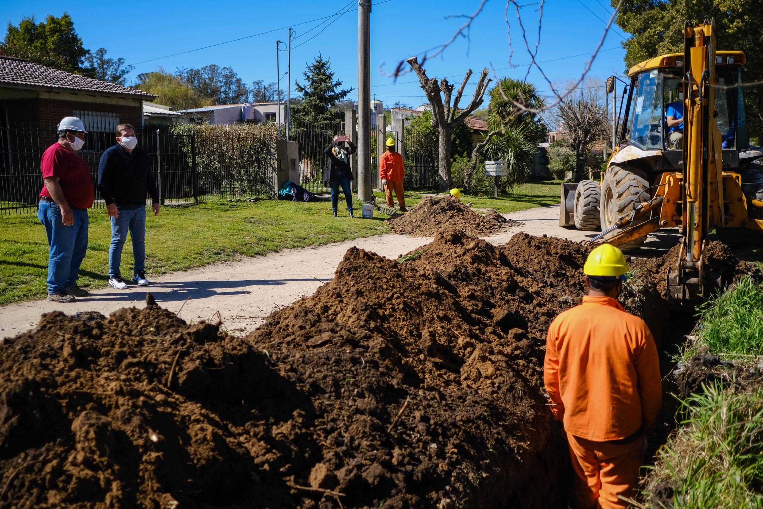 El Municipio ejecuta obras de extensión de la red de agua en Alto Camet