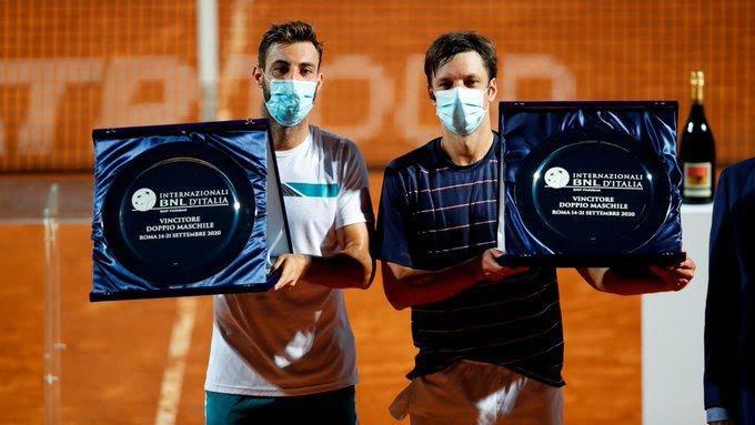 Horacio Zeballos festejó en dobles e igualó un récord de Guillermo Vilas