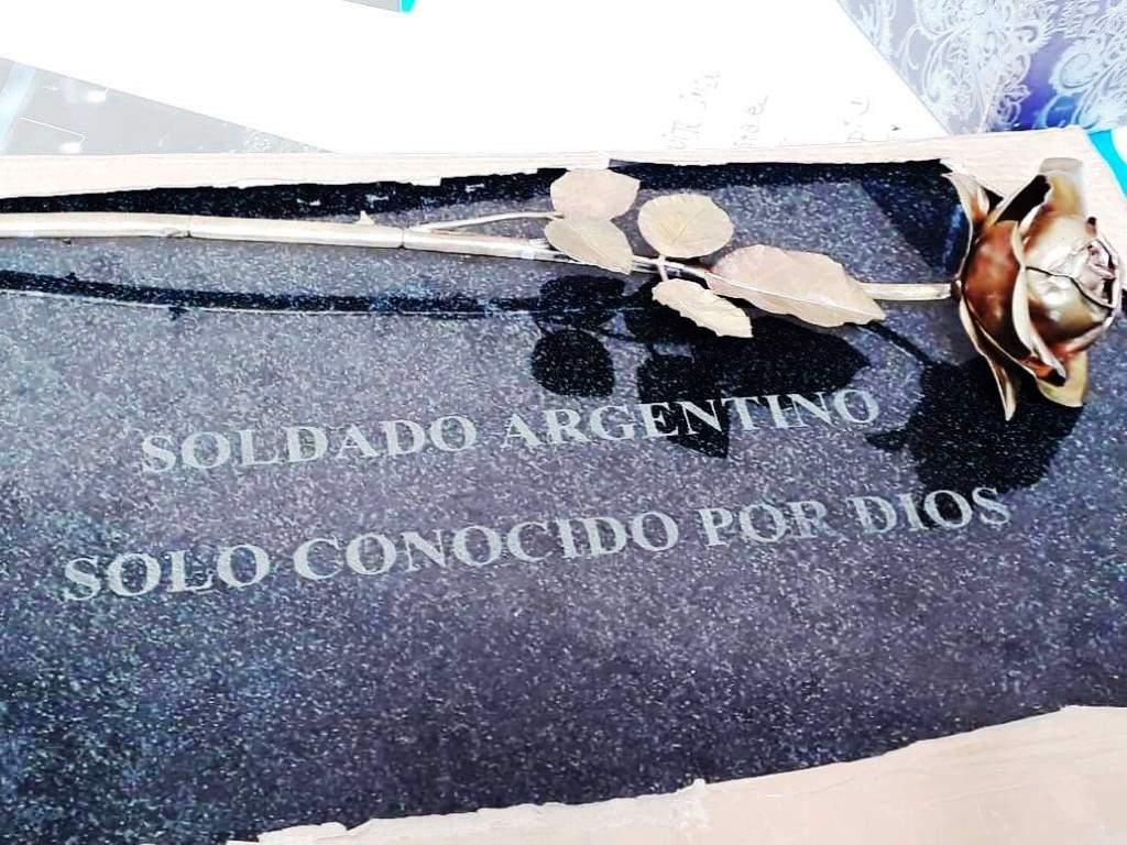 """Julio Aro afirmó que las identificaciones en Malvinas son """"no dejar a nadie en el campo de batalla"""""""