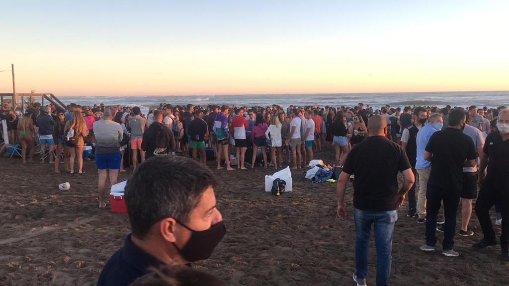 Evitan una fiesta en la playa de la que iban a participar más de 1500 personas