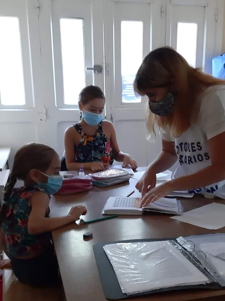 Crean centros de apoyo educativo en barrios populares