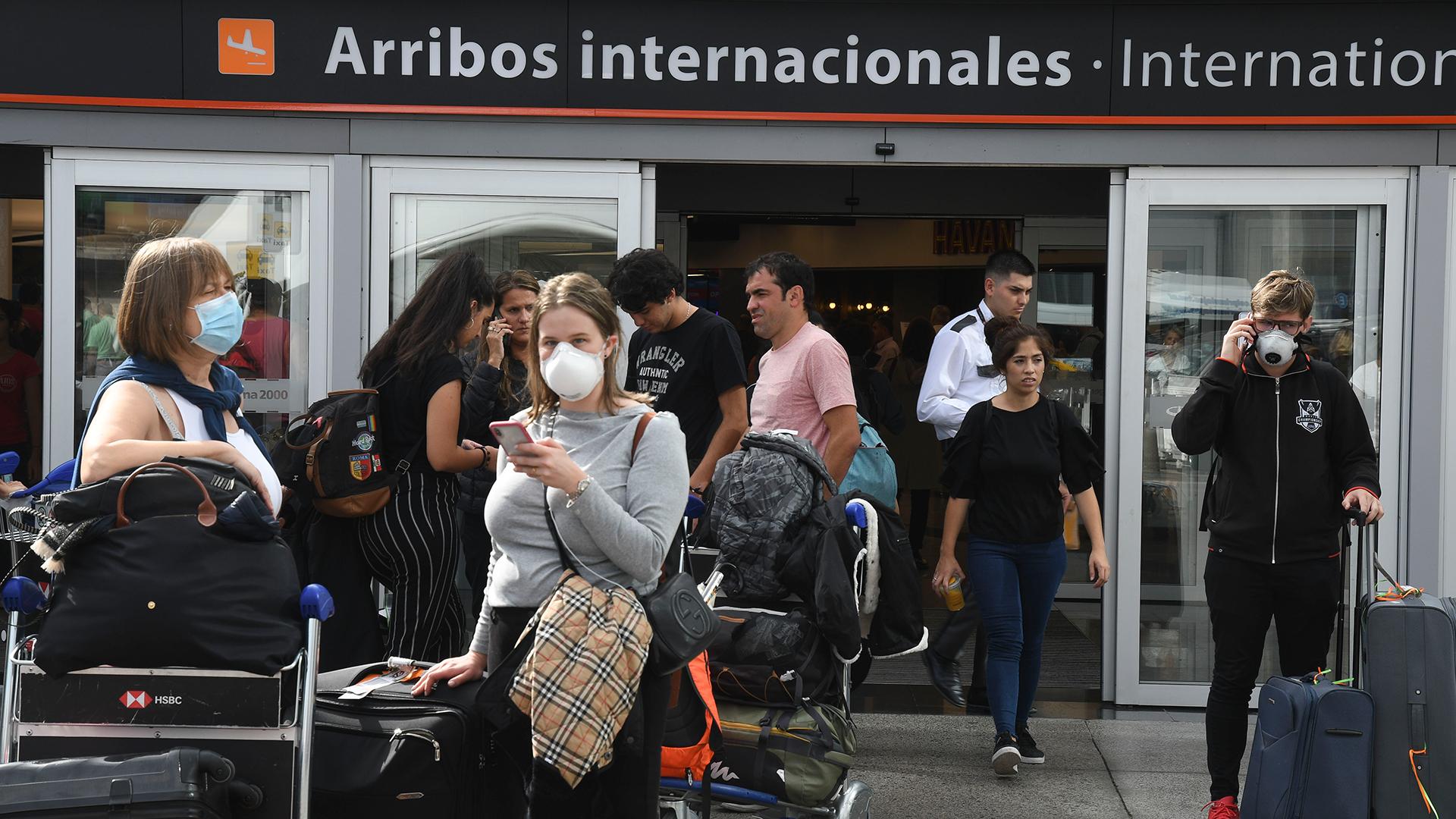 """Gollan: """"A los turistas que regresan va a haber que controlarlos mucho más activamente"""""""