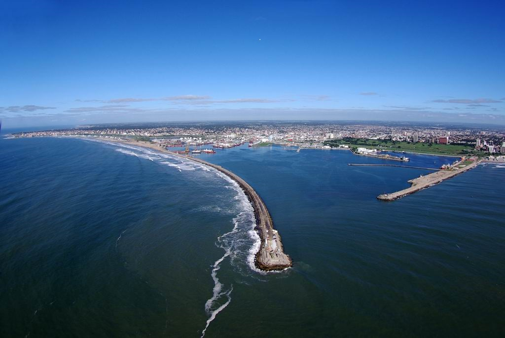 Baragiola pide informes sobre la demora del dragado del puerto