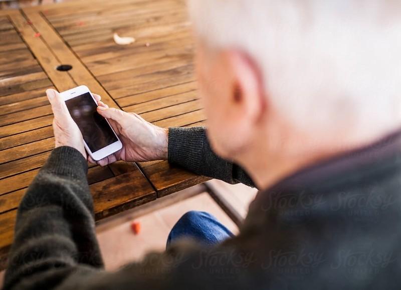 El Gobierno bonaerense alerta a personas mayores sobre el aumento de ciberdelitos y cómo prevenirlos