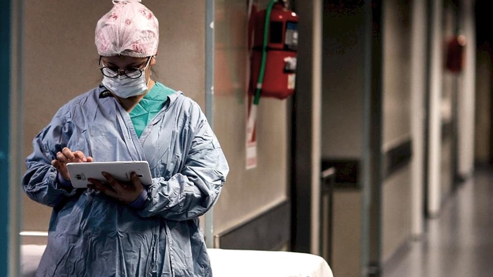 Por primera vez hubo menos de mil contagios diarios de coronavirus