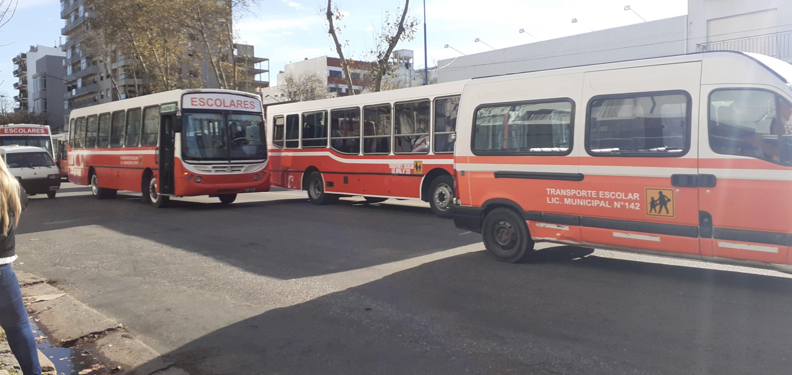 Transportistas escolares protestaron en Mar del Plata en reclamo de subsidios y exenciones