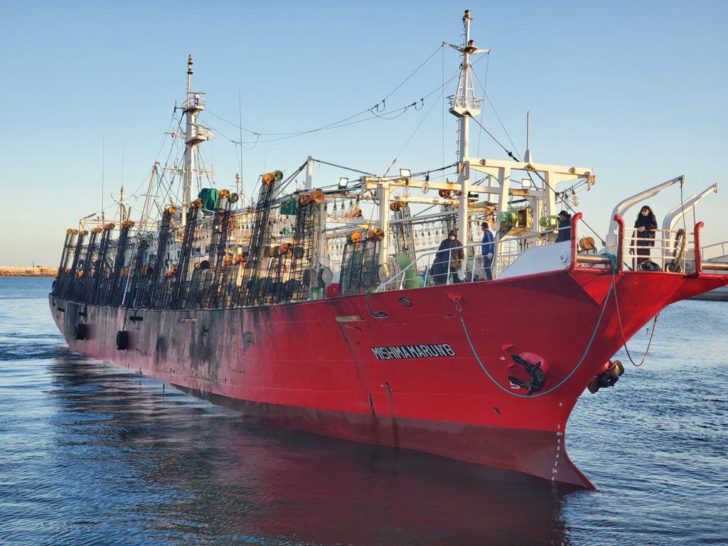 Amarró un pesquero marplatense con 22 tripulantes con coronavirus