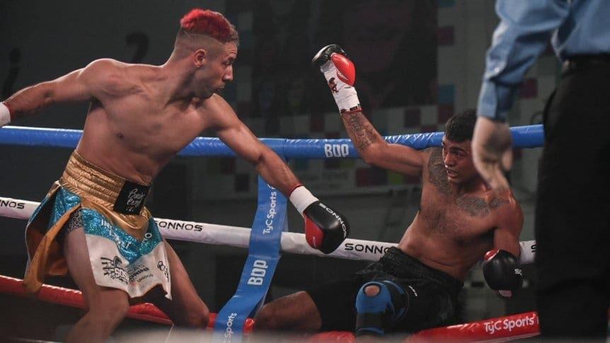 Bastida vence con amplitud a Villalobos y retiene el título sudamericano mediano