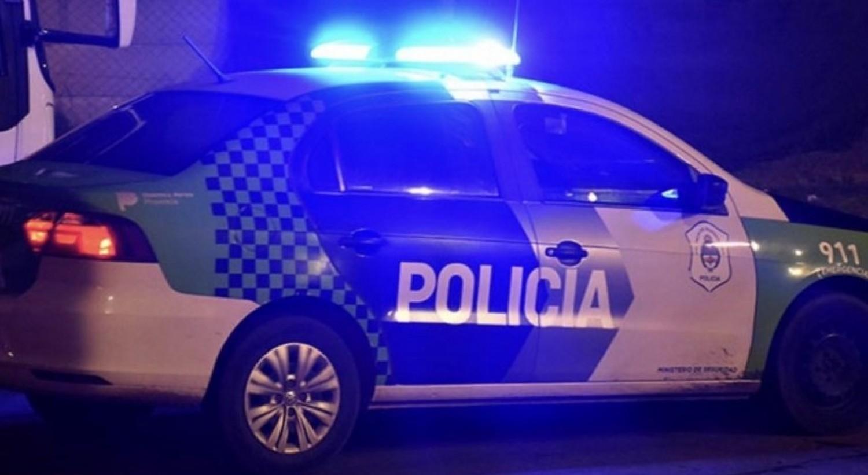 Un hombre fue detenido tras agredir a su expareja y disparar a la policía en Mar del Plata