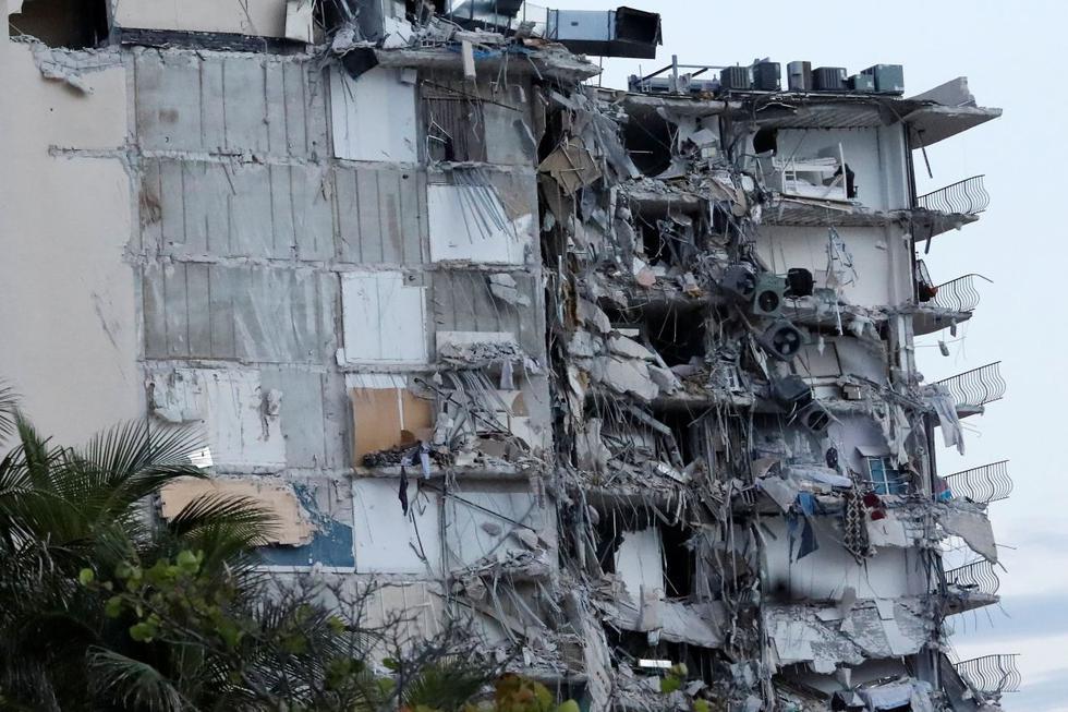 Nueve argentinos entre 99 desaparecidos por el derrumbe de un edificio de 12 pisos en Miami