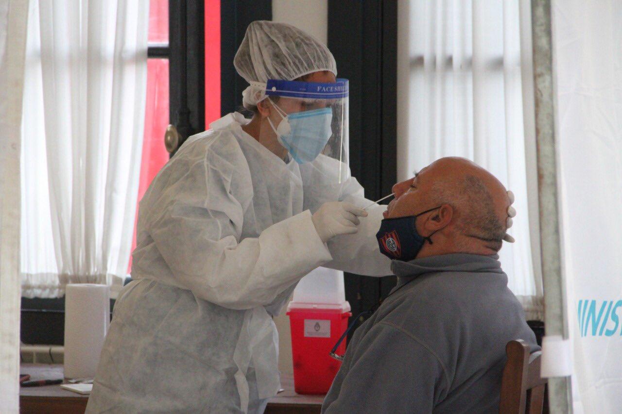 Los contagios de coronavirus cayeron por duodécima semana en provincia de Buenos Aires