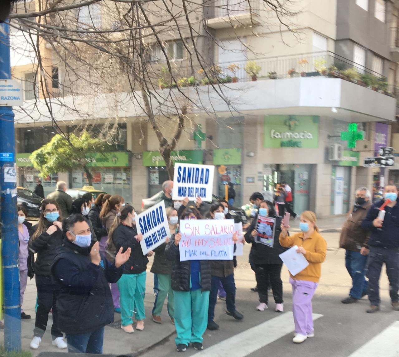Trabajadores de la Sanidad cumplen un paro en reclamo de mejoras salariales