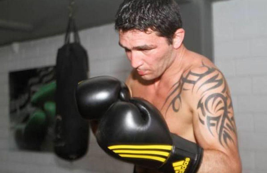 Rubén Acosta pelea en Alemania por el título internacional crucero AMB