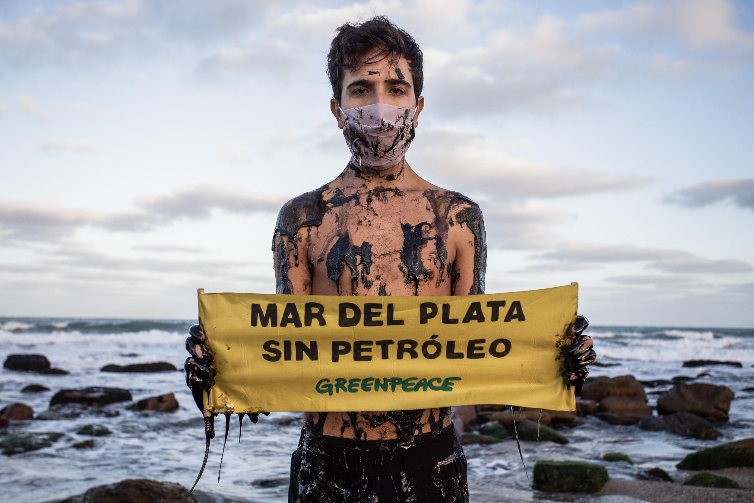 """Greenpeace: """"Un derrame de petróleo llegaría a las costas de Buenos Aires en 11 días"""""""