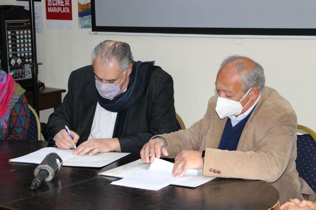 La UNMDP firmó un histórico convenio con la Scholas Ocurrenttes