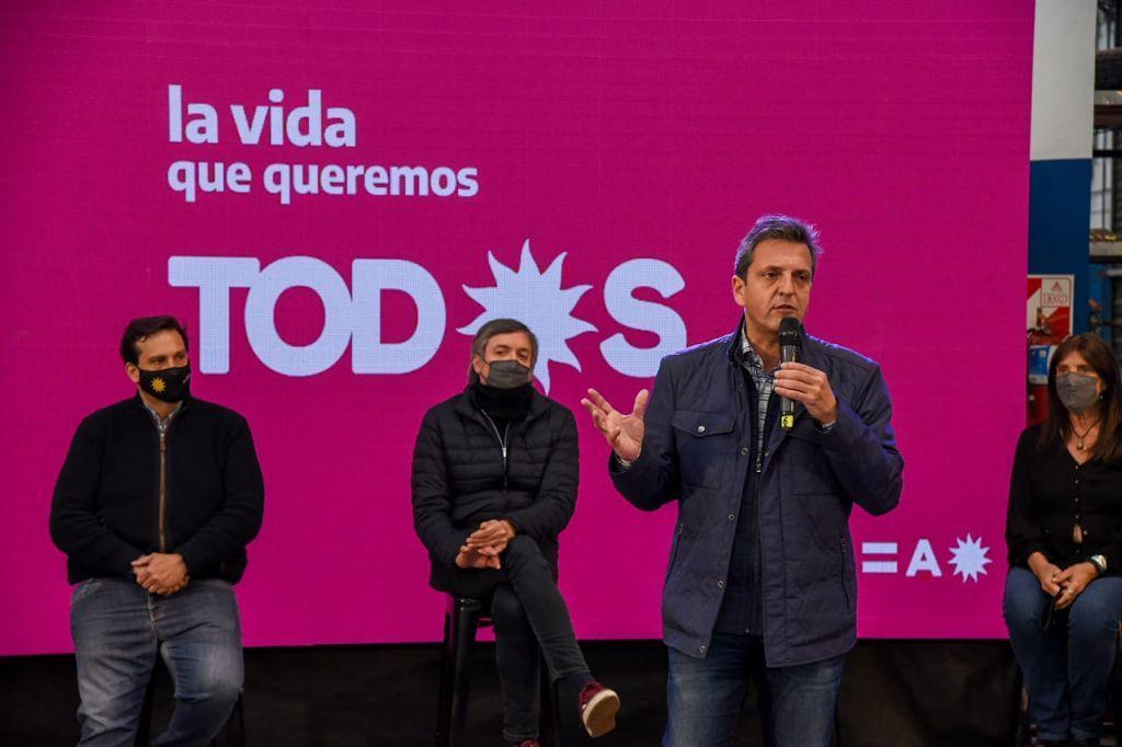 """Massa: """"Vamos a construir un gobierno de todos y para todos, no volvamos para atras"""""""