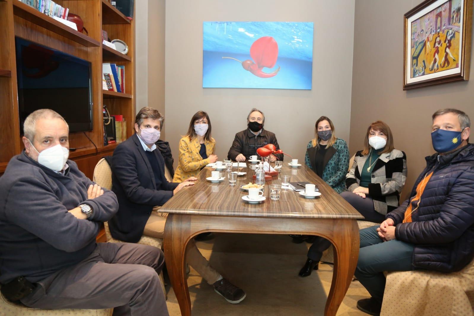 Precandidatos del Frente de Todos se reunieron con representantes del sector hotelero